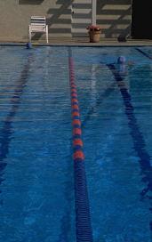 Zwemles bij een zwembad