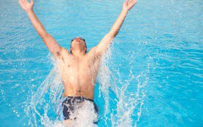 Volwassenen leren zelf zwemmen